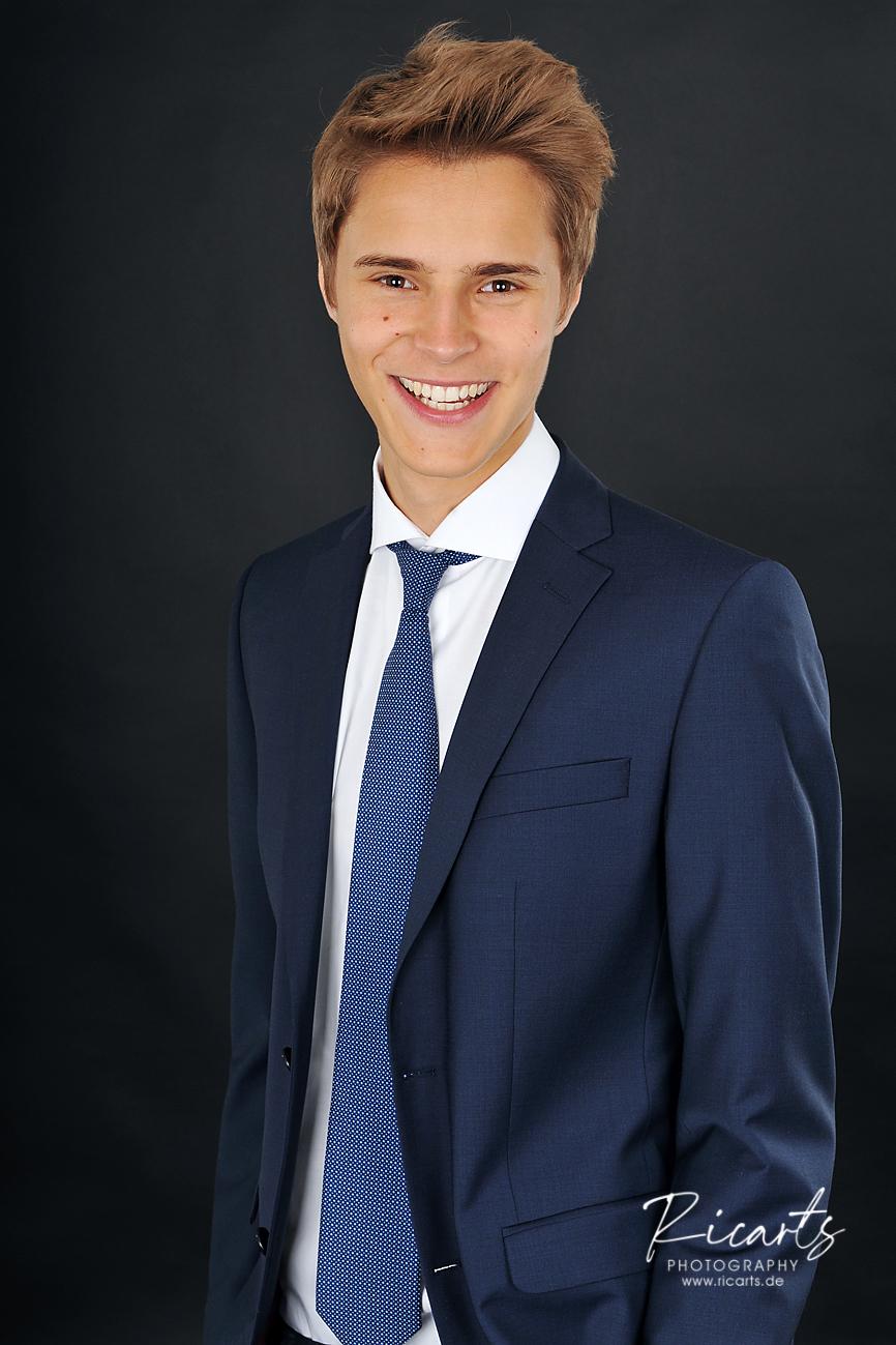 Bewerbungsfoto junger Mann