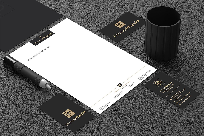 Visuelles-Kommunikationsdesign-Corporate-Design-Briefpapier-und-Visitenkarten
