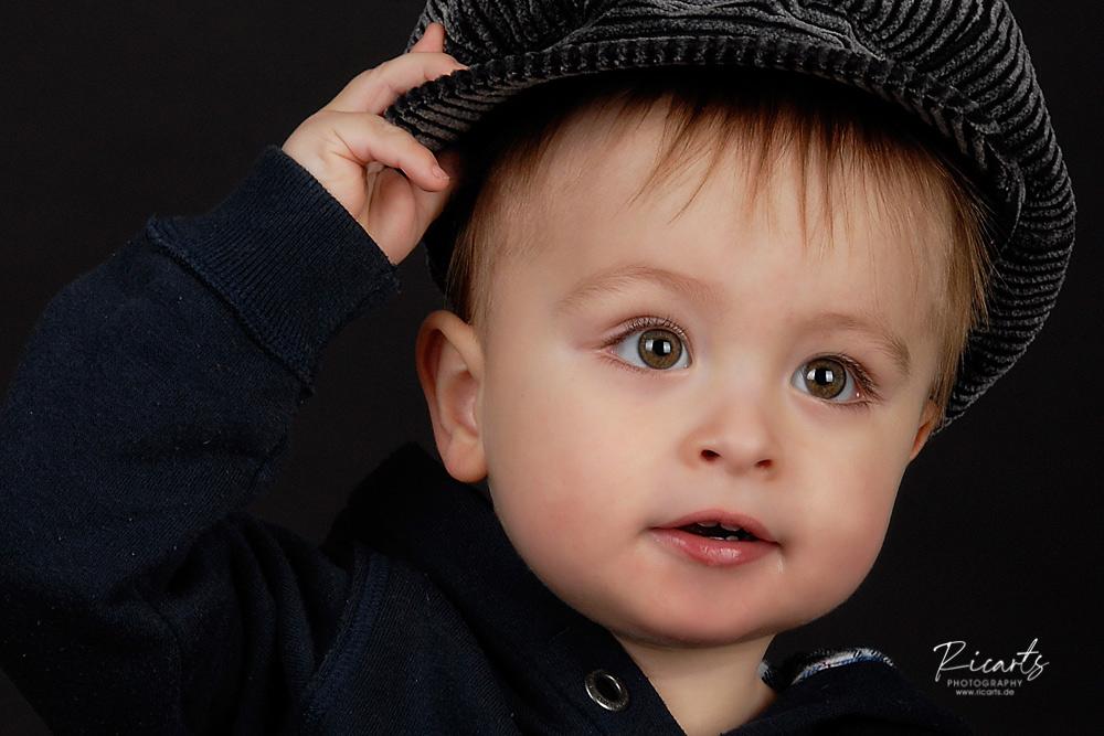 Portraitbild Kleinkind Junge