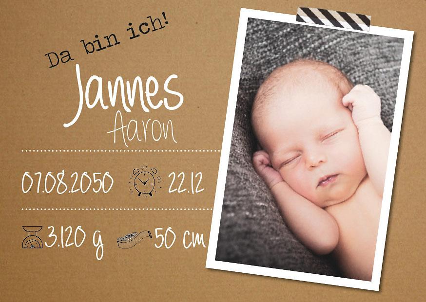 Visuelles-Kommunikationsdesign-Geburtsanzeigekarte-mit-Bild-von-Baby-und-Geburtsdaten