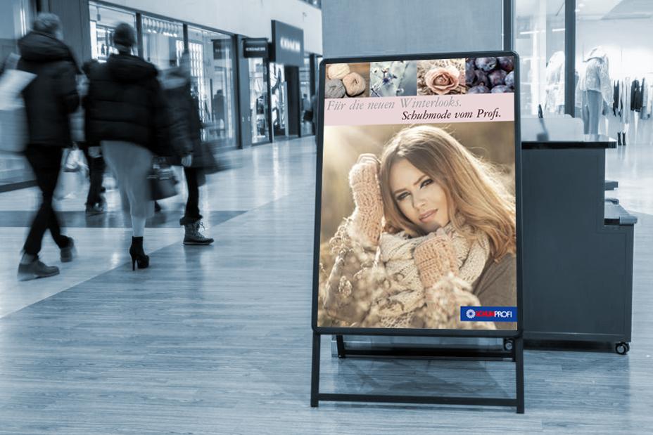 Plakat-in-Kundenstopper-in-Einkaufscenter