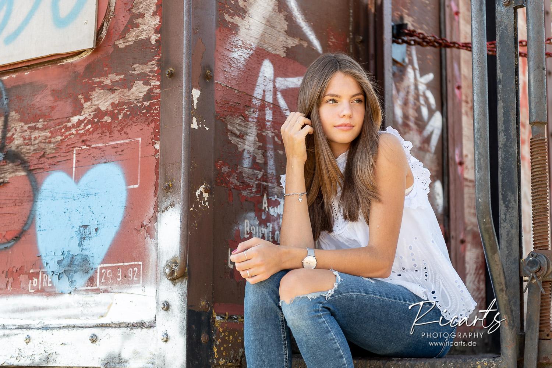 Fotografie-Portraitfoto Teenager Mädchen outdoor