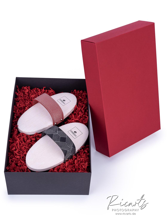 Produktfotografie-Geschenkbox mit Bürsten