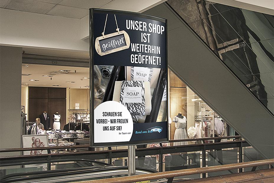 visuelles-kommunikationsdesign-Werbeplakat-in-Einkaufscenter